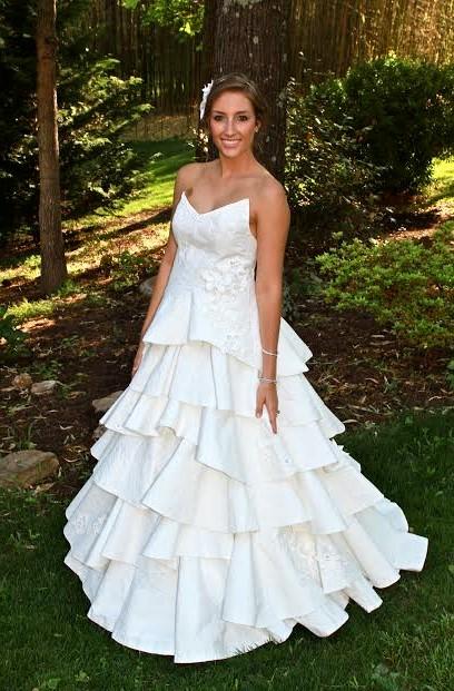 Фото свадебных платьев: из туалетной бумаги
