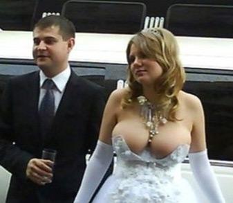 Фото свадебных платьев: слишком откровенное