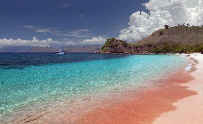Самые красивые пляжи мира: Розовый пляж