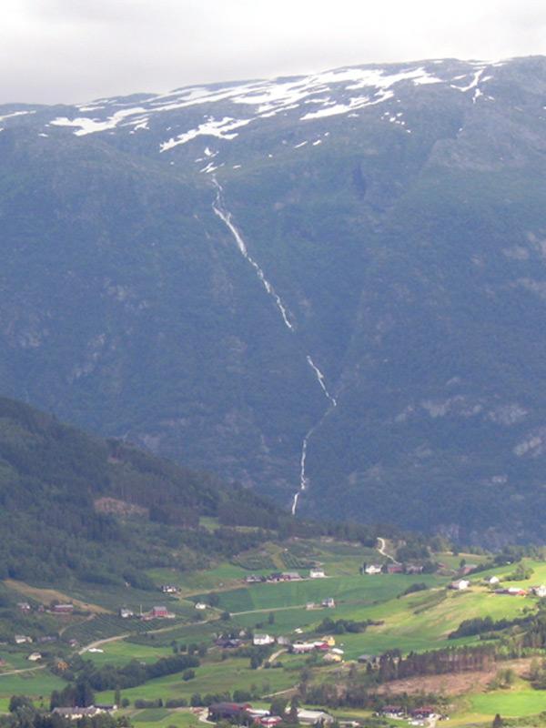 водопад Балайфоссен Baläifossen