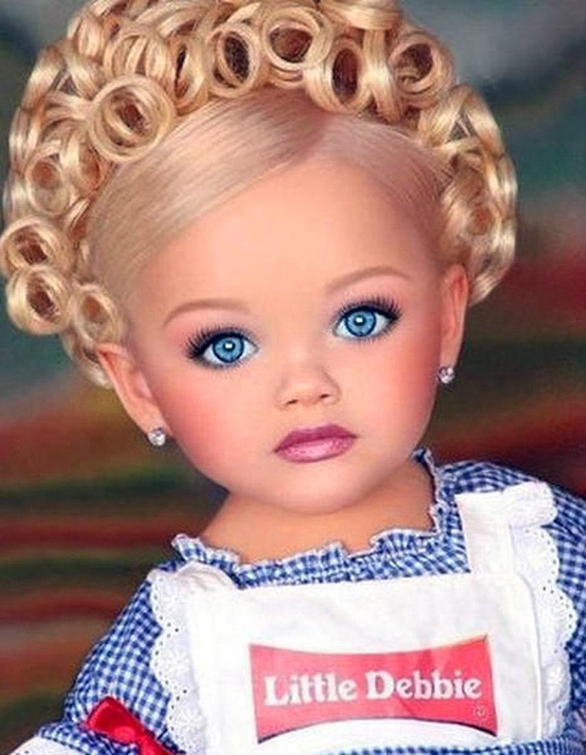 Самые красивые девочки мира: Айра Браун